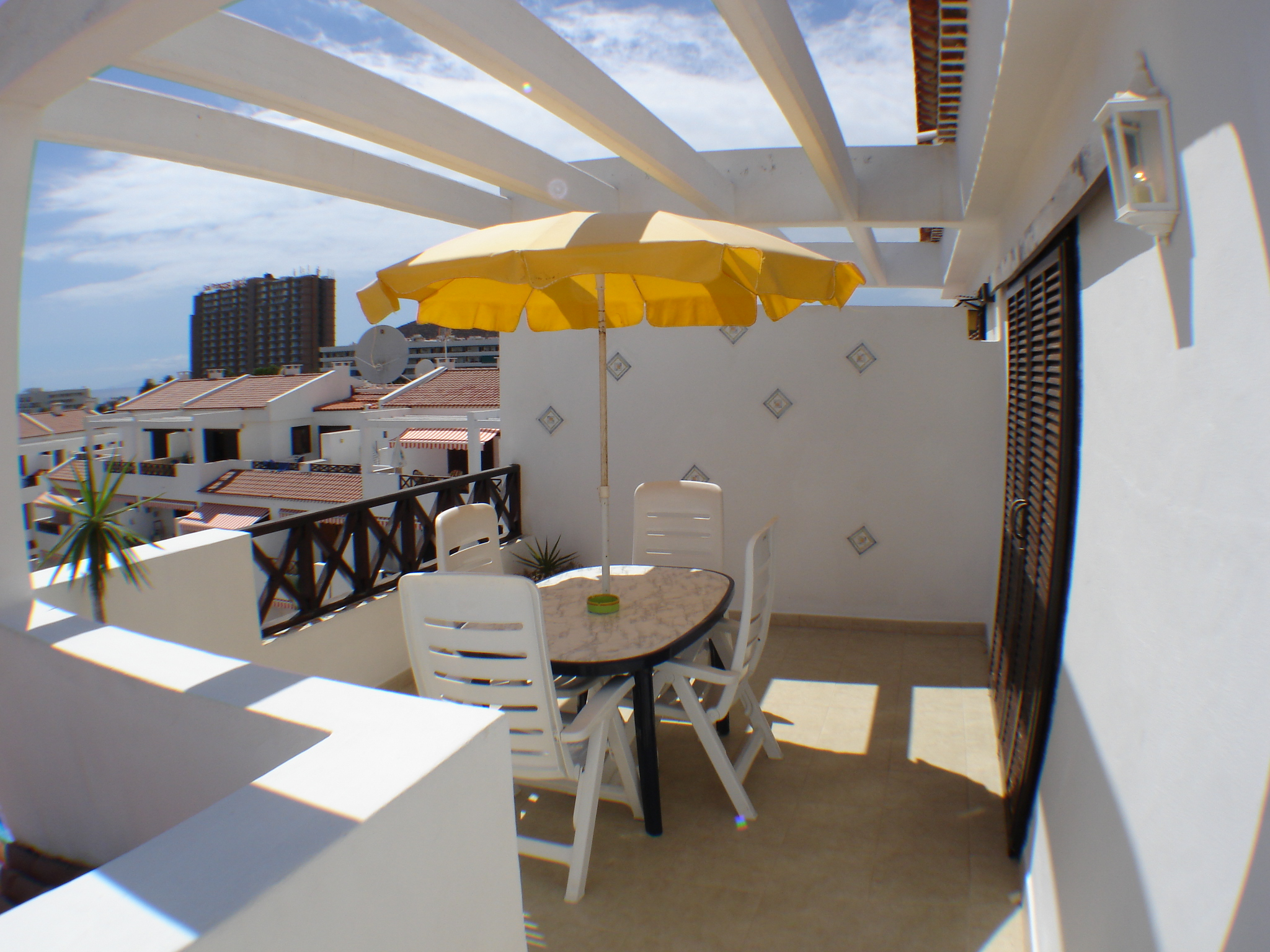 2 Bedroom Holiday Apartment To Rent In Victoria Court 1 Los Cristianos Ref 411 Smarthols Los Cristianos Holiday Apartment Rentals Tenerife
