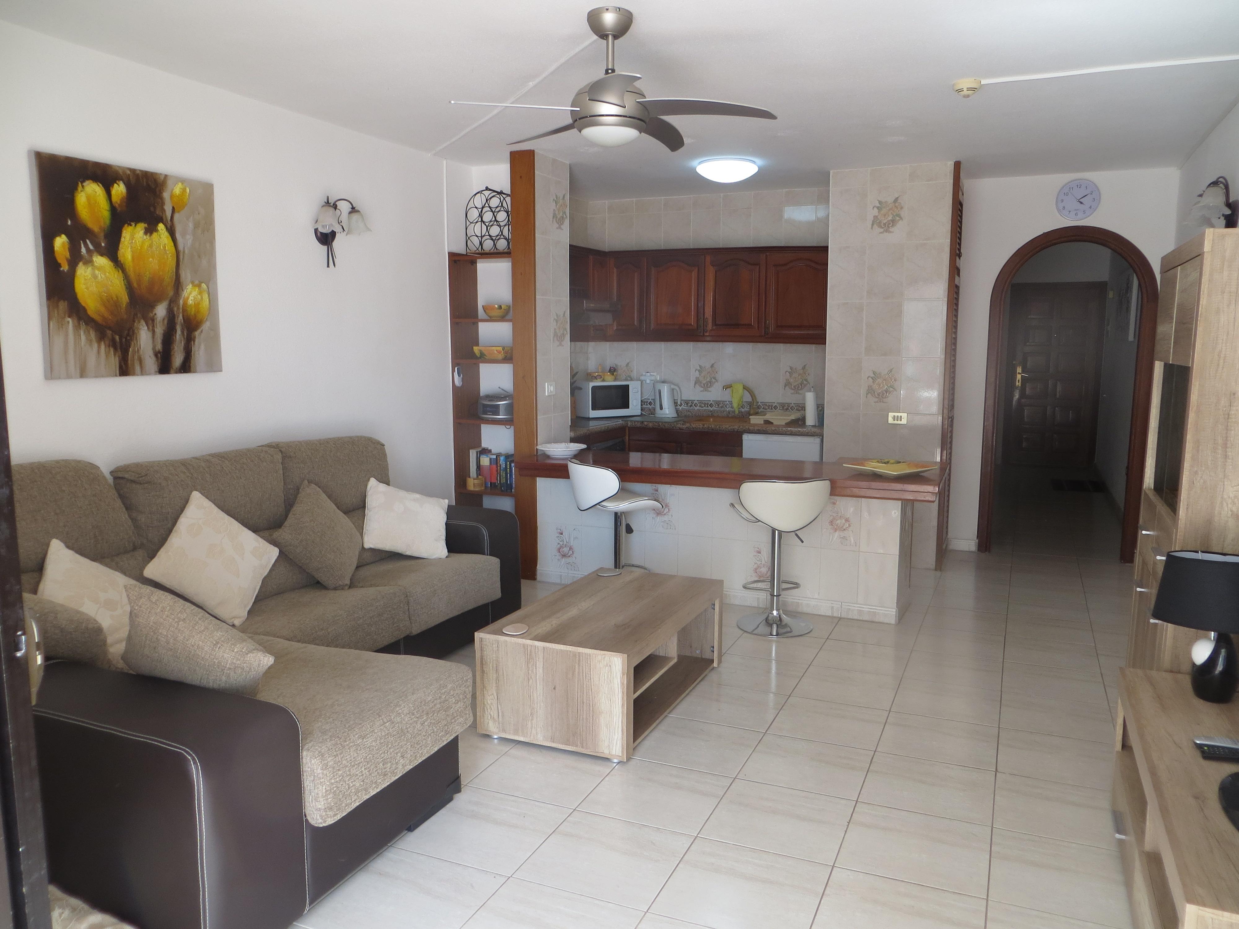 Victoria Court 2 Ref 570 Lounge